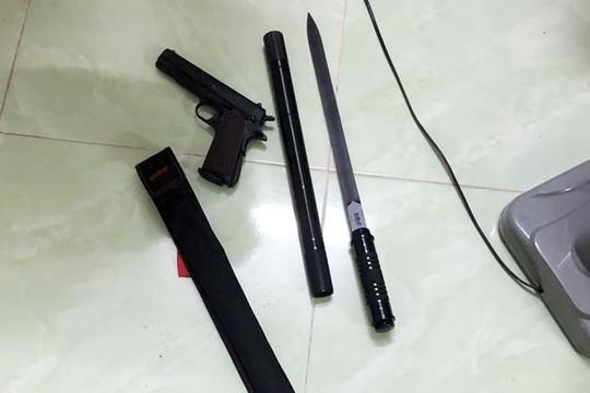 Bắt giữ đối tượng tàng trữ ma túy cùng súng và mã tấu
