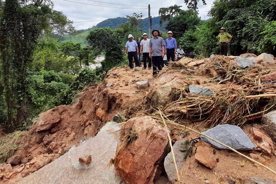 Bình Định: Hoãn các cuộc họp không quan trọng tập trung ứng phó bão số 12