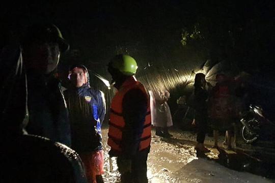 Ảnh hưởng bão số 12, nhiều vùng ở Đắk Lắk bị ngập nặng, cô lập nhiều hộ dân