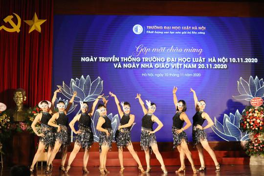 Giảng viên Trường ĐH Luật Hà Nội trổ tài nhảy dancesport