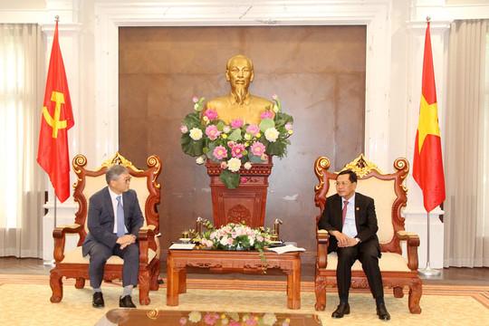 Phó Chánh án TANDTC Nguyễn Văn Du tiếp xã giao Giám đốc quốc gia KOICA