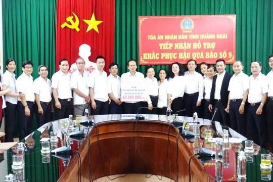 TAND TP Hồ Chí Minh và TAND Quận 7 tặng quà cho cán bộ, người lao động TAND hai tỉnh Quảng Nam, Quảng Ngãi