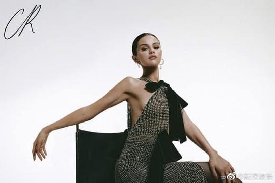 Selena Gomez xuất hiện với nhan sắc quyến rũ trên tạp chí thời trang CR xứ Trung