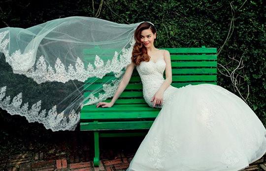 Hà Hồ và Kim Lý đăng ký kết hôn, showbiz Việt chờ một đám cưới cổ tích trong tương lai gần