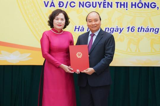 Bà Nguyễn Thị Hồng nhận quyết định làm tân Thống đốc NHNN Việt Nam
