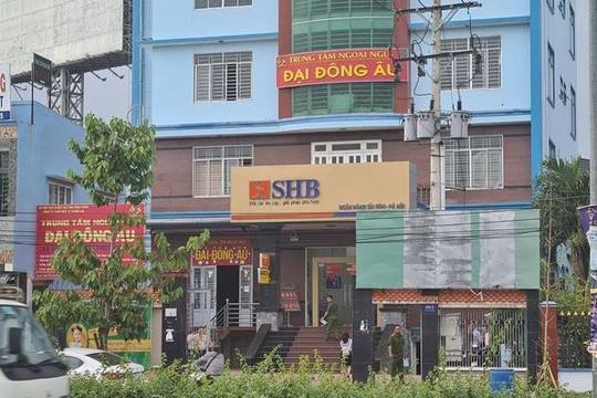Bình Dương: Công an tích cực truy tìm kẻ dùng súng cướp ngân hàng
