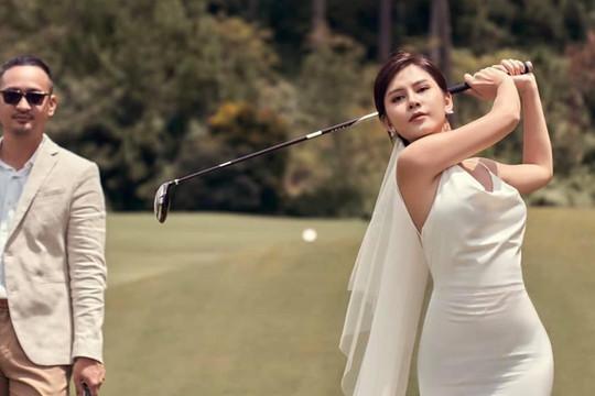 MC Thu Hoài mặc váy cưới đánh golf đẹp xuất sắc