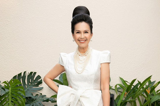 Mỹ nhân Việt hội ngộ, chia vui với NTK Đỗ Mạnh Cường
