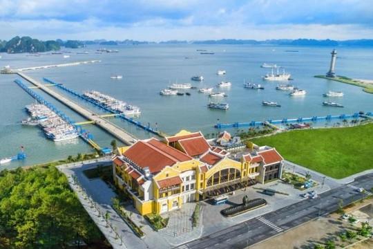 Vẻ đẹp hiếm thấy của Cảng tàu khách quốc tế nằm trong Vịnh di sản Hạ Long