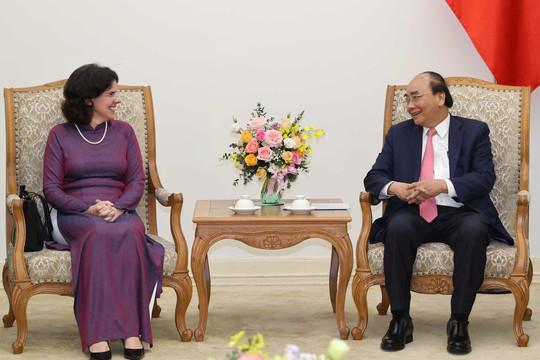 Thủ tướng Nguyễn Xuân Phúc điện đàm, tiếp khách quốc tế
