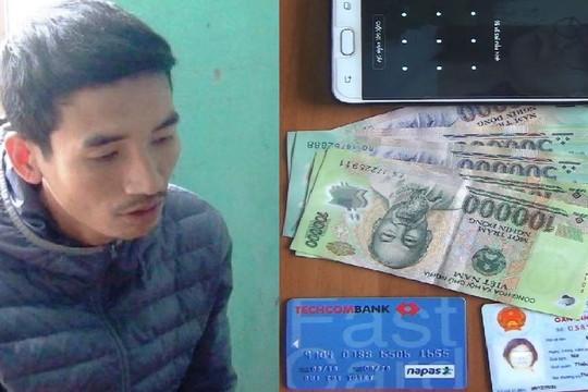 Cướp giật điện thoại rồi nhắn tin lừa đảo chiếm đoạt tài sản