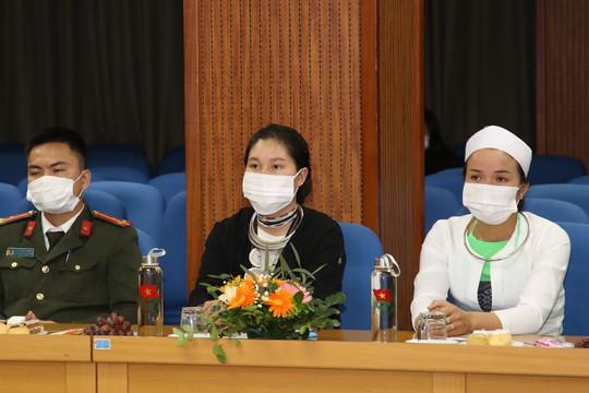 Gặp mặt đại biểu thanh thiếu niên dự Đại hội toàn quốc các dân tộc thiểu số Việt Nam