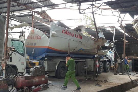 Gia Lai: Nổ xe bồn, 3 người bị thương nặng