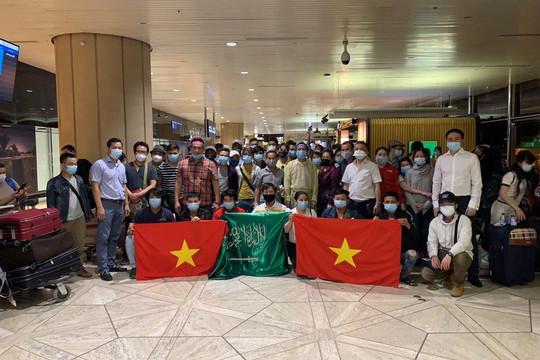 Dịch COVID-19: Đưa gần 600 công dân Việt Nam từ Arab Saudi và Nga về nước