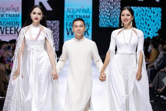 Hương Giang tái xuất sau scandal bằng vị trí vedette tại AVIFW 2020