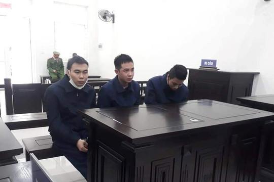 Lưu hành tiền giả, ba thanh niên ở Hà Nội chia nhau 17 năm tù
