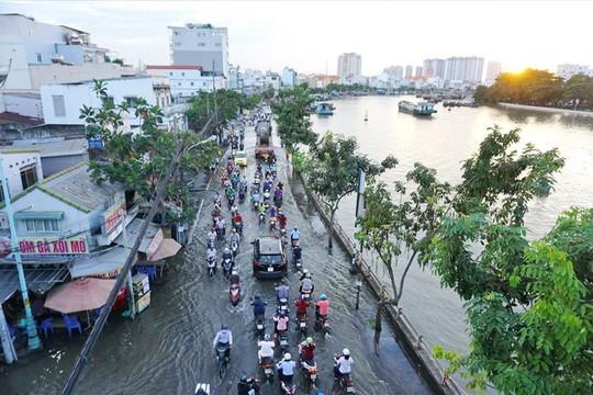 TP. HCM: Triều cường vượt báo động 3, nhiều nơi có nguy cơ ngập
