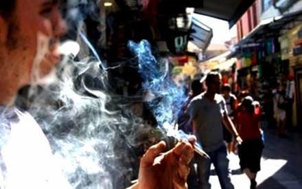 Hà Nội thành lập đoàn kiểm tra để xử lý vi phạm hút thuốc lá nơi công cộng
