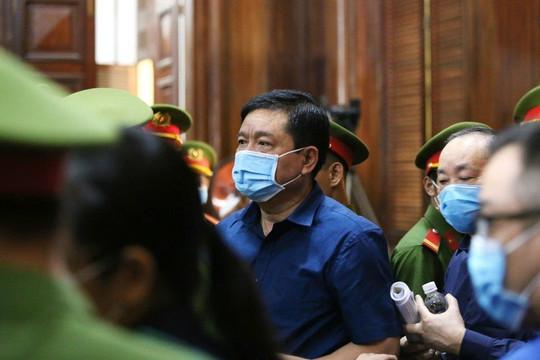 Bị cáo Đinh La Thăng và luật sư không đồng tình với cáo buộc của Viện kiểm sát