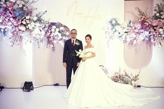 Hàng loạt người đẹp showbiz Việt hội tụ trong đám cưới MC Thu Hoài