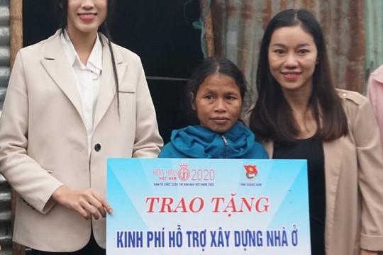 Đỗ Thị Hà trao một tỷ đồng cho Nam Trà My