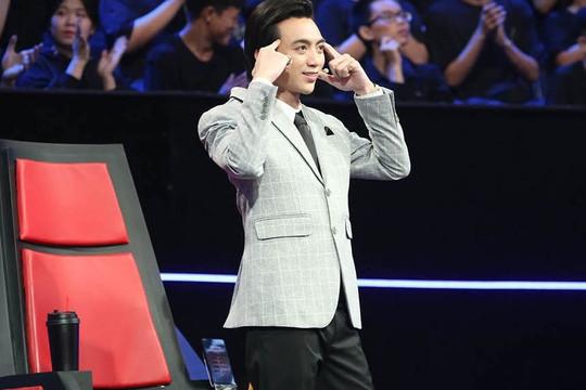 Soobin gây tranh cãi khi làm giám khảo Siêu trí tuệ Việt Nam