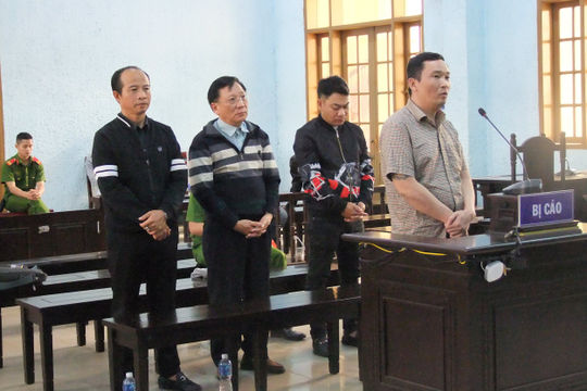 Phó Giám đốc công ty cùng các đối tượng bắt giữ, hành hung con nợ