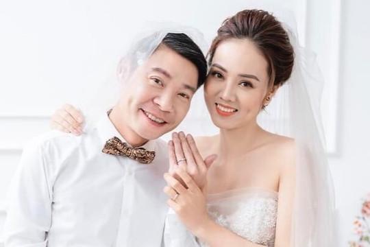 """Ảnh cưới đúng chất """"cô Đẩu"""" của NSND Công Lý và cô dâu kém 15 tuổi"""