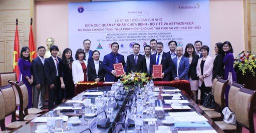 """Ký kết biên bản ghi nhớ hợp tác thực hiện mở rộng Chương trình """"Vì Lá Phổi Khỏe"""" cho ung thư phổi tại Việt Nam 2021-2023"""