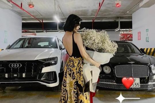"""Ca sĩ Lệ Quyên đăng ảnh được tặng hoa nhưng mọi người lại kêu gọi """"rửa xe"""" đặc biệt nhất là bức ảnh đầu năm 2021"""