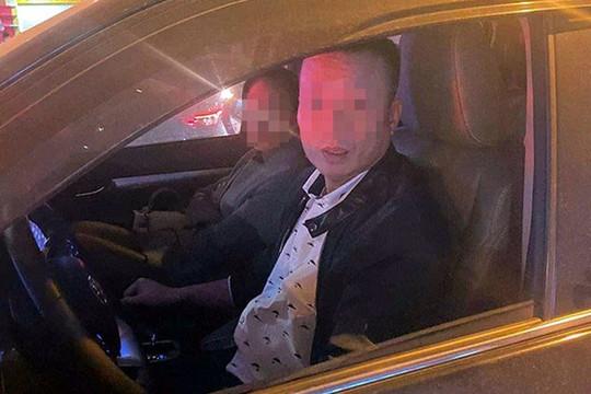 Truy tìm tài xế xe bán tải đánh người giữa ngã tư Nguyễn Trãi