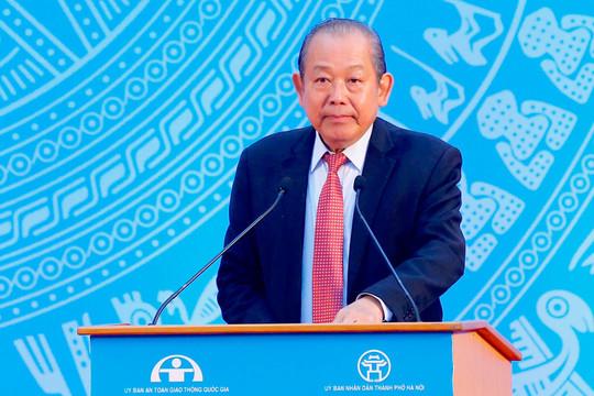 """Phó Thủ tướng Trương Hòa Bình: Kiên quyết xử lý vi phạm TTATGT, không vì Tết mà """"nể nang, xuê xoa"""""""