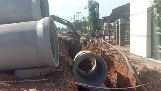 Bị ống cống rơi trúng khi đang làm việc, nam công nhân tử vong thương tâm