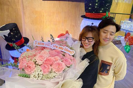 Hari Won chia sẻ bức thư tay của Trấn Thành gửi mình trong ngày yêu đầu tiên