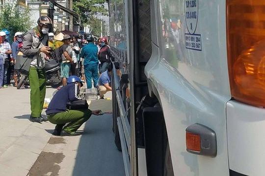 Nữ sinh bị xe tải tông tử vong trên đường đi học về