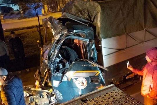 Xe tải đâm xe container đang dừng đỗ khiến 1 người tử vong
