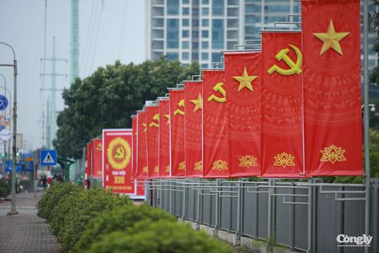 Hà Nội rực rỡ cờ hoa chào mừng Đại hội Đảng toàn quốc lần thứ XIII