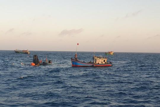 Tìm thấy thi thể 1 ngư dân trong vụ chìm tàu ở Côn Đảo