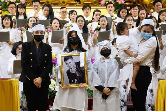 Tuấn Hưng và dàn sao Vbiz góp mặt trong đêm nhạc gây quỹ cho 3 con cố ca sĩ Vân Quang Long