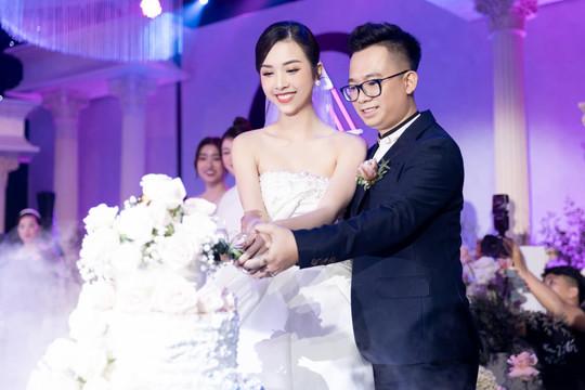 Á hậu Thúy An đẹp rạng ngời trong lễ cưới tại Sài Gòn