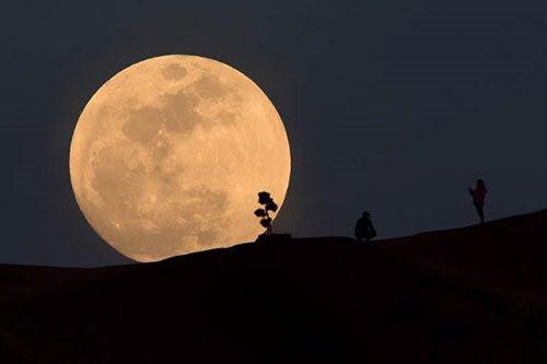 """""""Mặt Trăng"""" 2020 SO sẽ có chuyến bay cuối cùng quanh quỹ đạo Trái Đất"""