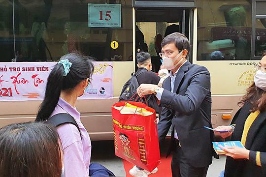 500 sinh viên các tỉnh miền núi Tây Bắc, miền Trung được hỗ trợ vé xe miễn phí về quê đón Tết