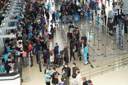 Khẩn trương hoàn, đổi vé máy bay cho hành khách bị ảnh hưởng Covid-19
