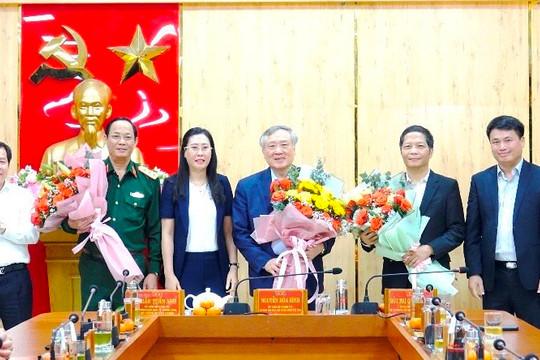 Uỷ viên Bộ Chính trị, Chánh án TANDTC Nguyễn Hoà Bình thăm chúc Tết và làm việc tại Quảng Ngãi