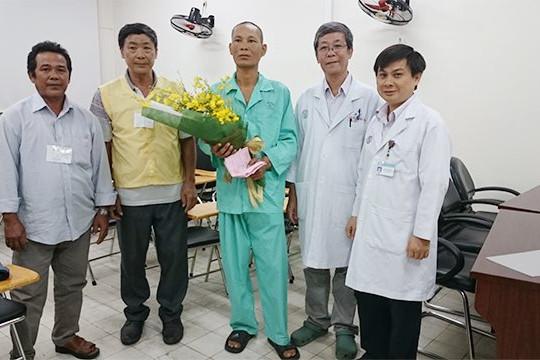 """BHXH Việt Nam tổ chức chương trình """"Tết ấm cho bệnh nhân BHYT có hoàn cảnh khó khăn - Tân Sửu 2021"""""""
