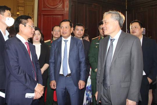 """Ủy viên Bộ Chính trị, Chánh án TANDTC Nguyễn Hòa Bình """"xông đất"""" Truyền hình TAND"""
