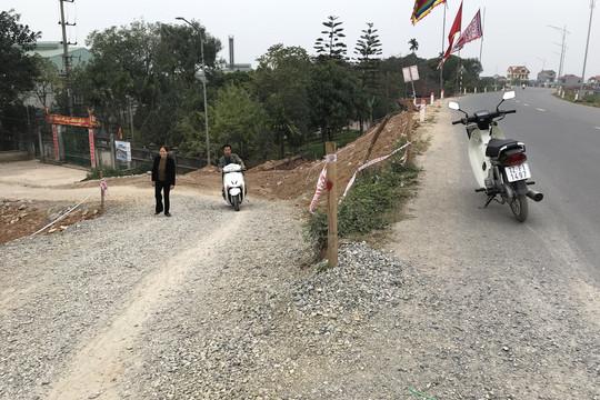 Người dân khổ vì dốc cua thẳng đứng, tiềm ẩn nguy cơ tai nạn giao thông