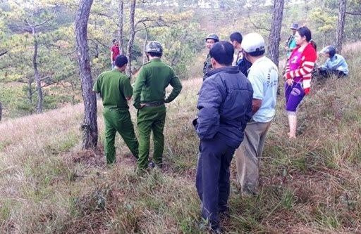 Mâu thuẫn chuyện gia đình, người đàn ông treo cổ ở rừng thông