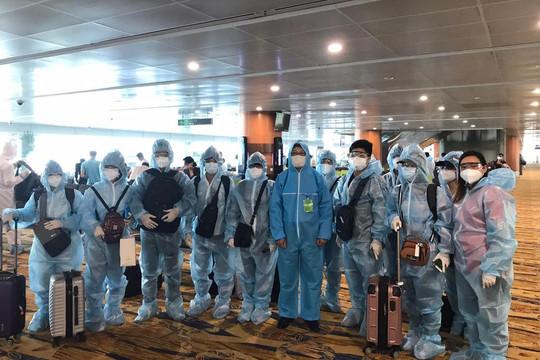 Hai chuyến bay đưa gần 400 công dân Việt Nam từ Myanmar về nước an toàn
