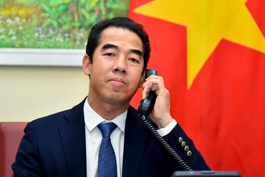 Việt Nam mong muốn Anh chia sẻ kinh nghiệm về chiến lược tiêm chủng vaccine ngừa COVID-19